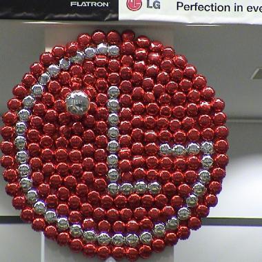 LG logotipas iš balionu