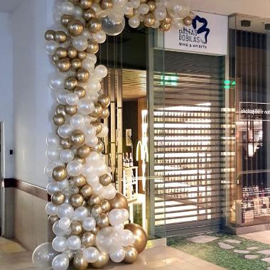 aukso spalvos balionai dekoracija